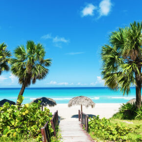 Kuba: 7 Tage im 3* Hotel mit All Inclusive, Flügen, Transfer & Zug nur 532€