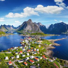 Lofoten: Flüge zu den schönsten Orten Norwegens hin & zurück nur 164€