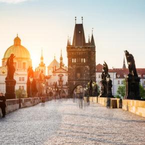 Prag Menschen auf Karlsbrücke