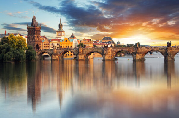 Prag Karlsbrücke Sonnenuntergang