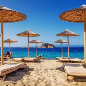 Griechenland Frühbucher: 8 Tage Skiathos mit TOP 3* Hotel, Frühstück & Flug nur 147€