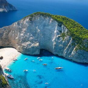 Error Fare: 15 Tage nach Zakynthos im guten 3* Strandhotel mit Frühstück & Flug nur 142€