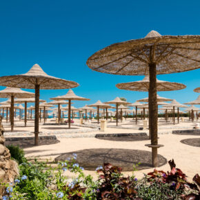 Familienurlaub: 6 Tage Ägypten mit 5* Hotel, All Inclusive, Flug, Transfer & Zug nur 240€