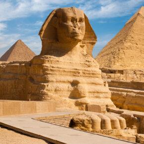 Lastminute nach Ägypten: Pyramiden, Badeurlaub & farbenfrohe Unterwasserwelt