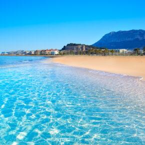 Ab ans Mittelmeer: 7 Tage Costa Blanca mit Apartment am Strand & Flug nur 79€