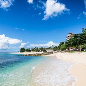 Luxusurlaub Bali: 9 Tage im TOP 5* Hotel mit Frühstück mit Flug, Transfer & Zug für 1.269€