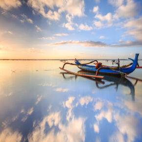 Einmal nach Indonesien bitte: Flüge nach Jakarta, Bali, Lombok und Borneo mit Gepäck ab 392€