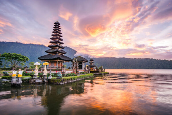 Bali Tempel Sonnenuntergang