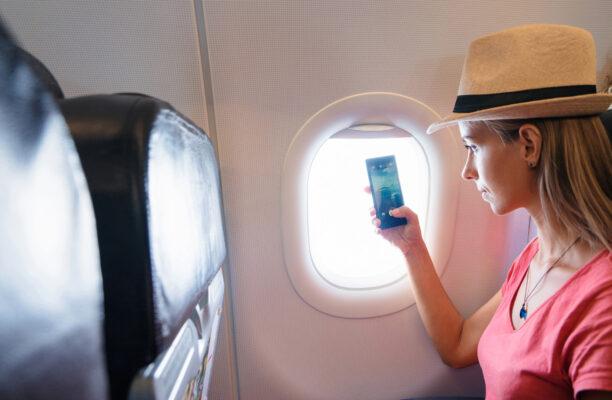 Flugzeug WLAN im Flieger mit Smartphones