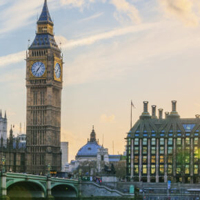 Flüge nach London, Glasgow, Edinburgh & mehr ab 4€