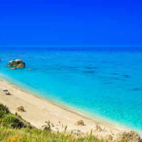 Griechenland: 8 Tage auf Lefkada im guten Apartment am Meer mit Flug nur 147€
