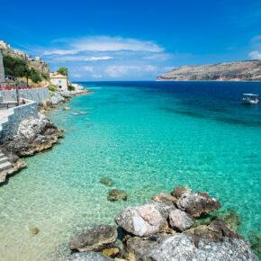 Frühbucher Griechenland: 8 Tage Peloponnes im guten Strandapartment mit Flug nur 134€