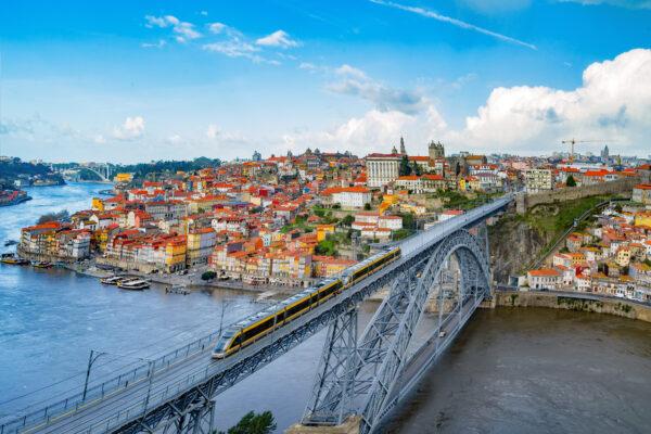 Porto Brücke bei Tag