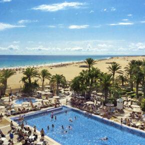 Riu Olivia Beach Resort Pool