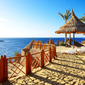 Luxus im Hochsommer: 7 Tage im TOP 5* Hotel in Makadi Bay mit All Inclusive, Flug & Transfer nur 487€
