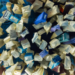 Nicht übel: Sammelleidenschaft Kotztüte