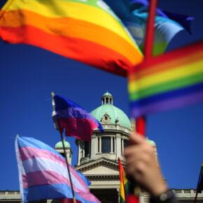 Gay Reisen Regenbogenfahne Berlin