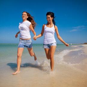 Gay Reisen Frauen am Strand