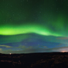 Fly & Drive: 19 Tage Island mit Flug & Mietwagen nur 191€ (über Silvester 246€)