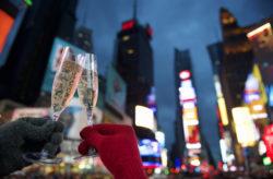 Silvester in den Staaten: 6 Tage New York im zentralen 4* Hotel mit Direktflug & Hudson-...