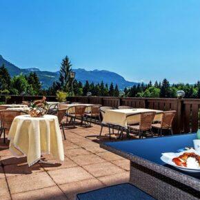 Alpenhotel Dachstein Terrasse