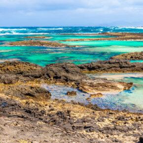 Familienurlaub im Sommer: 8 Tage Fuerteventura im 3* Hotel mit All Inclusive, Flug, Transfer & Zug für 392€