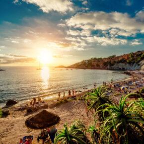 Opening Party: 5 Tage Ibiza mit Apartment & Flug nur 196€