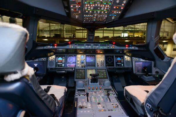 Jumbo Jet Cockpit Flugzeug