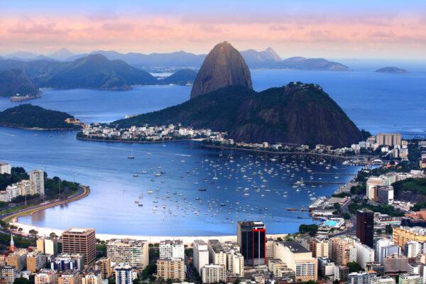 Brasilien Stadt Rio Vogelperspektive Berg