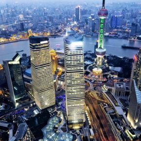 China Shanghai Stadt Abends von oben