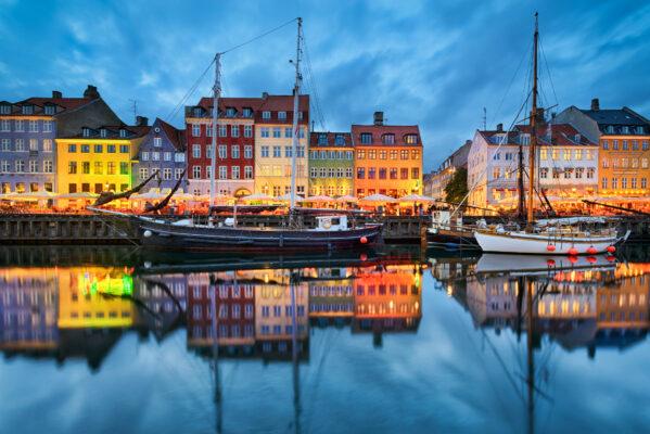 Dänemark Kopenhagen Boot Bunte Häuser