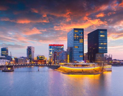 Düsseldorf Rhein Hochhäuser