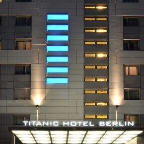 Hotel Titanic Comfort Mitte Außen
