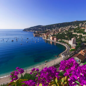 Glanzvoller Auftritt in Cannes: 2 Tage im 5* Radisson Blu Hotel mit Meerblick inkl. Frühstück nur 68€