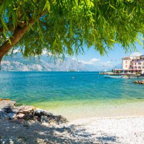 Luxus am Gardasee: 2 Tage in TOP Junior-Suite-Deluxe inkl. Frühstück & freistehender Badewanne ab 56€