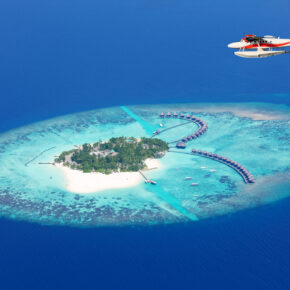 Error Fare: 10 Tage im guten 4* Beach Hotel mit Halbpension auf den Malediven für nur 151€