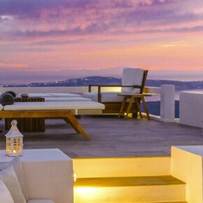 8 Tage ULTRA Luxus-Villa auf Santorini mit Panorama-Ausblick, Frühstück & Transfer für 1.835€