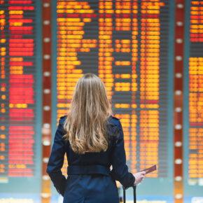 Flughafen Anzeigetafel