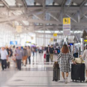 Handgepäck im Flieger - was darf mit? Regeln, Bestimmungen und Tricks