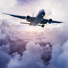 Flugticket: Das bedeuten die Abkürzungen auf Eurer Bordkarte