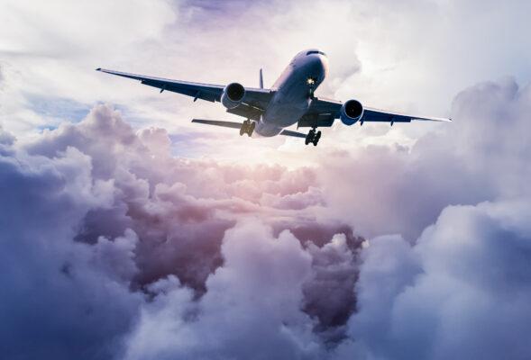 Flugzeug Wolken