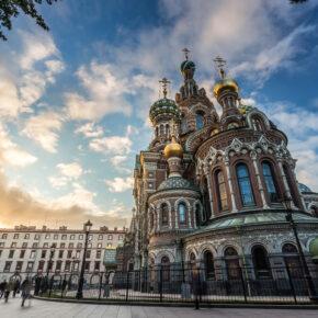 Russland St. Petersburg Kirche Sonnenuntergang