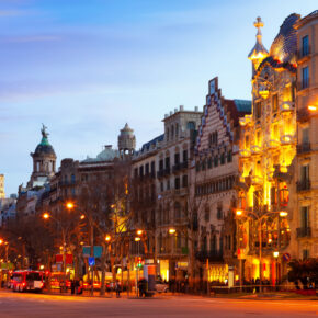 Kurztrip nach Barcelona: 3 Tage im zentralen TOP 4* Hotel mit Flug nur 63€