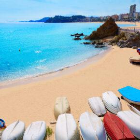 Single in Spanien: 6 Tage Costa Brava im 4* Hotel mit Halbpension mit Flug & Transfer nur 265€