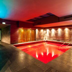 Hotel Living Max Pool