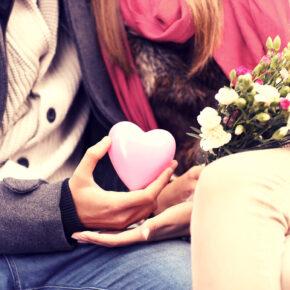 Valentinstag Geschenkideen: Städtetrip, Wellness & Erlebnis Gutscheine ab 14,50 Euro