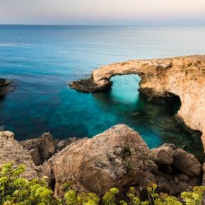 Luxus auf Zypern: 7 Tage im TOP 5* Award Hotel mit All Inclusive, Flug & Transfer nur 219€
