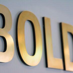 BOLD Apartments Schild