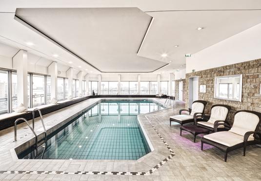 Hotel Nikko Pool