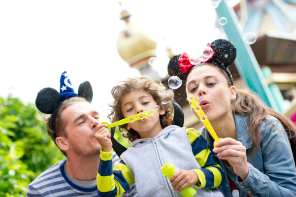 Familie in Disneyland Paris